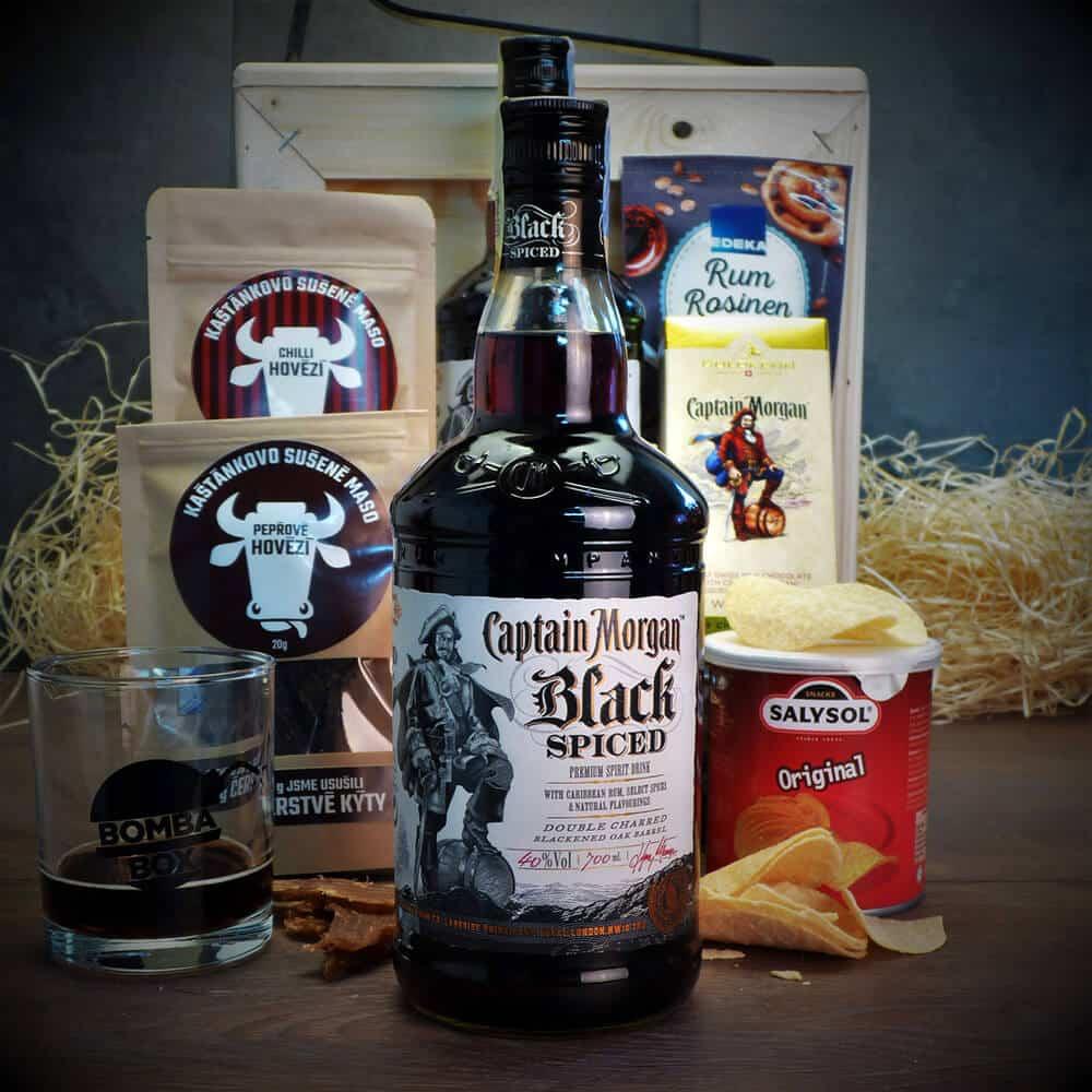 Bedna s rumem Captain Morgan Black Spiced