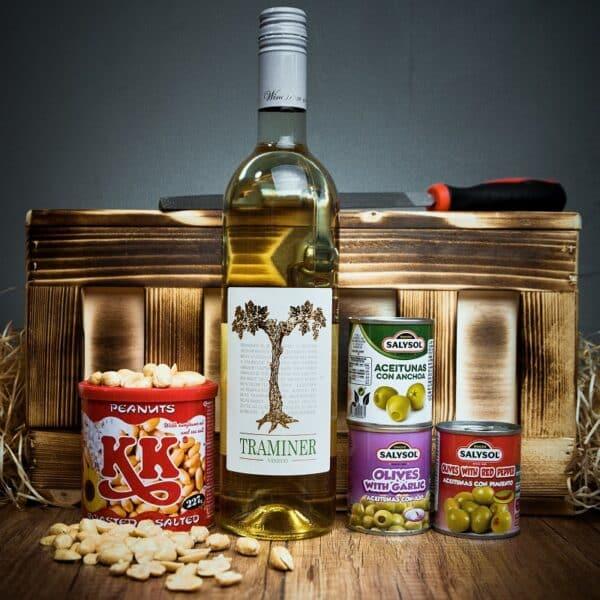 Truhla s bílým vínem Traminer Vineco